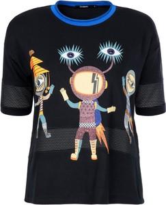 T-shirt Desigual w młodzieżowym stylu z krótkim rękawem