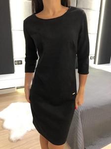 Czarna sukienka ModnaKiecka.pl z długim rękawem w stylu klasycznym mini