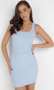 Niebieska sukienka born2be dopasowana z okrągłym dekoltem