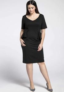 Czarna sukienka Nommo midi dla puszystych
