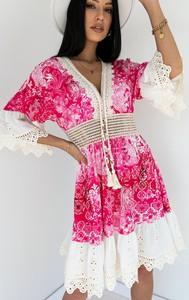 Różowa sukienka Latika z długim rękawem mini z bawełny