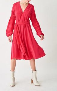 Czerwona sukienka Strenesse z długim rękawem z dekoltem w kształcie litery v