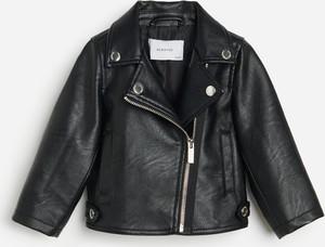 Czarna kurtka dziecięca Reserved ze skóry