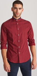 Czerwona koszula Reserved z nadrukiem