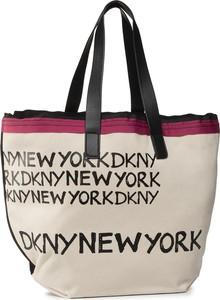 Torebka DKNY duża na ramię w wakacyjnym stylu