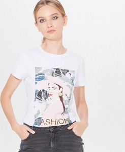 T-shirt Mohito w młodzieżowym stylu z okrągłym dekoltem z nadrukiem