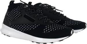 Buty sportowe Reebok sznurowane w młodzieżowym stylu