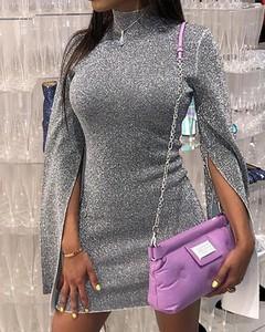 Sukienka Kendallme z golfem dopasowana z długim rękawem