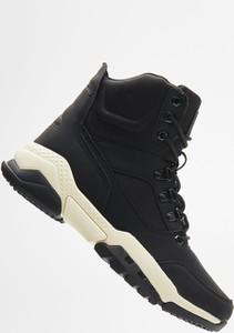 Czarne buty zimowe Cropp
