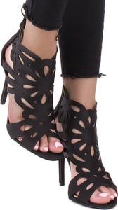 Sandały STILI na szpilce w stylu glamour na wysokim obcasie