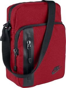 Czerwona torebka Nike w sportowym stylu na ramię
