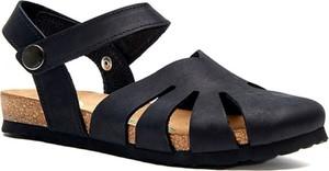 Czarne sandały Comfortfusse z płaską podeszwą w stylu casual