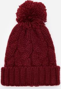 Czerwona czapka House
