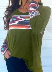 Zielona bluzka Cikelly z okrągłym dekoltem z długim rękawem w geometryczne wzory