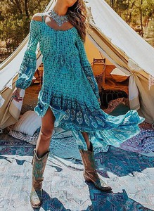 Sukienka Sandbella midi w stylu boho
