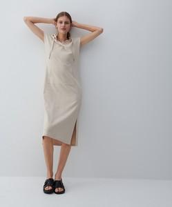 Sukienka Reserved w stylu casual z okrągłym dekoltem z długim rękawem