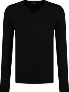Czarny sweter Boss