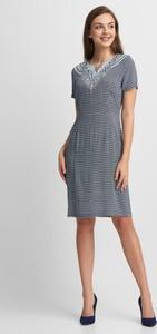 Sukienka QUIOSQUE prosta mini z krótkim rękawem