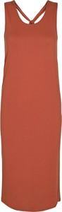Czerwona sukienka Minimum z dekoltem w kształcie litery v z wełny