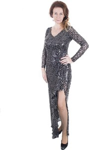 Czarna sukienka Marselini z długim rękawem