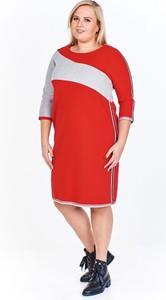 Czerwona sukienka Fokus z długim rękawem midi w stylu casual