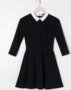 Czarna sukienka Sinsay z długim rękawem w stylu casual mini