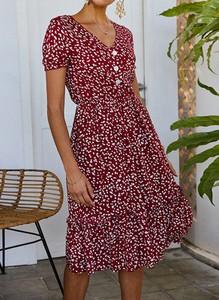 Czerwona sukienka Sandbella midi z krótkim rękawem