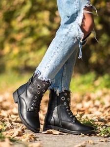 Czarne trapery damskie Czasnabuty z płaską podeszwą sznurowane