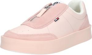 Różowe trampki Tommy Jeans ze skóry w stylu casual