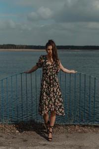 Sukienka Oscar Fashion z szyfonu z długim rękawem