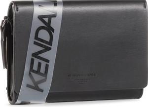 Czarna torebka Kendall+Kylie średnia