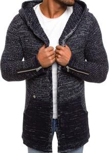 Granatowy sweter breezy