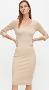 Sukienka Reserved w stylu casual dopasowana