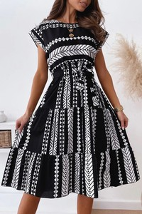 Czarna sukienka IVET midi