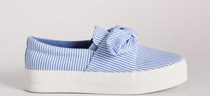 Niebieskie trampki Sinsay z tkaniny na platformie