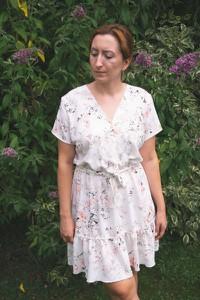 Sukienka Olivkabutik.pl rozkloszowana w stylu casual z krótkim rękawem