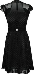 Czarna sukienka Fokus z tiulu trapezowa z krótkim rękawem