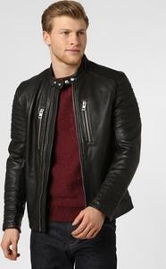 Czarna kurtka Boss w stylu casual