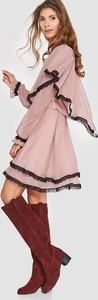 Różowa sukienka Blue Shadow z szyfonu z długim rękawem mini