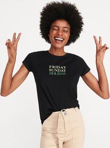 Czarny t-shirt Reserved z okrągłym dekoltem w młodzieżowym stylu