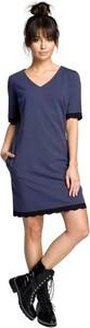 Niebieska sukienka Be z dzianiny mini z krótkim rękawem