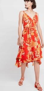 Sukienka Dorothy Perkins z dekoltem w kształcie litery v