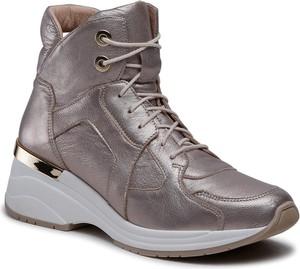 Buty sportowe Eksbut ze skóry sznurowane