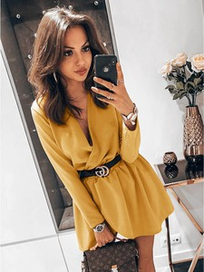 Żółta sukienka magmac.pl mini w stylu casual kopertowa