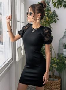 Czarna sukienka SELFIEROOM mini z okrągłym dekoltem dopasowana
