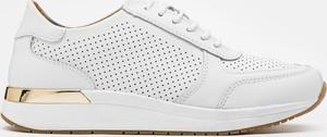 Sneakersy Kazar z płaską podeszwą sznurowane