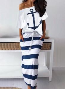 Sukienka Cikelly z okrągłym dekoltem z dresówki maxi