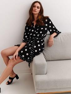 Czarna sukienka Top Secret midi w stylu casual