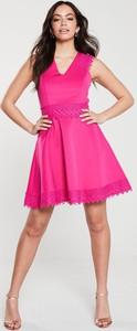 Różowa sukienka Ted Baker mini rozkloszowana