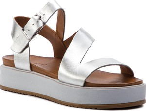 5570c141113c4 Srebrne sandały Inuovo w stylu casual na średnim obcasie ze skóry
